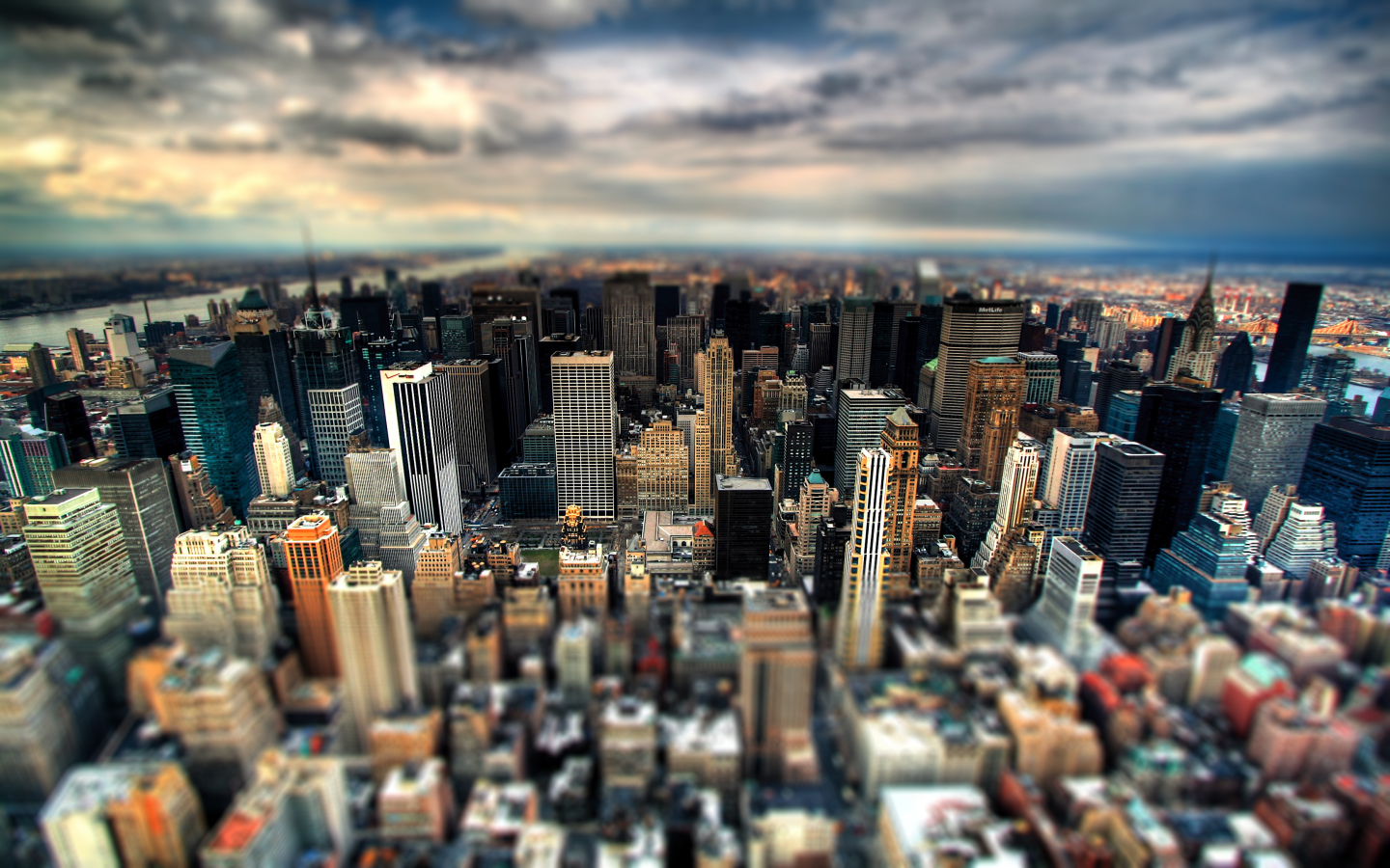 city_blur_wallpaper_by_prolite-d598siz